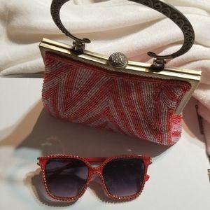 Hand beaded Vintage Style handbag w/Sunglasses